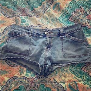 Vintage Roxy shorts 🌺